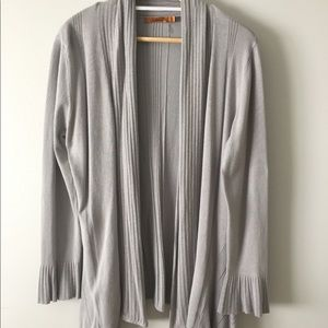 Gray cardigan, ruffle accent sleeves, long sides